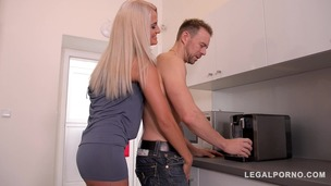 Extremely hot blonde babe Nicole Vice gets shaved pink filled in kitchen GP326 small screenshot