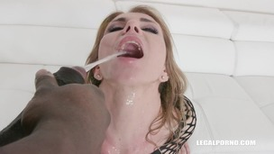 Sindy Rose is back with new pissing experience & DAP IV278 small screenshot